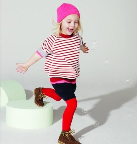 Możesz wełny łączyć, gdyż ubranka dla dzieci mogą być kolorowe, tak więc często możesz stworzyć piękne robótki z resztek.